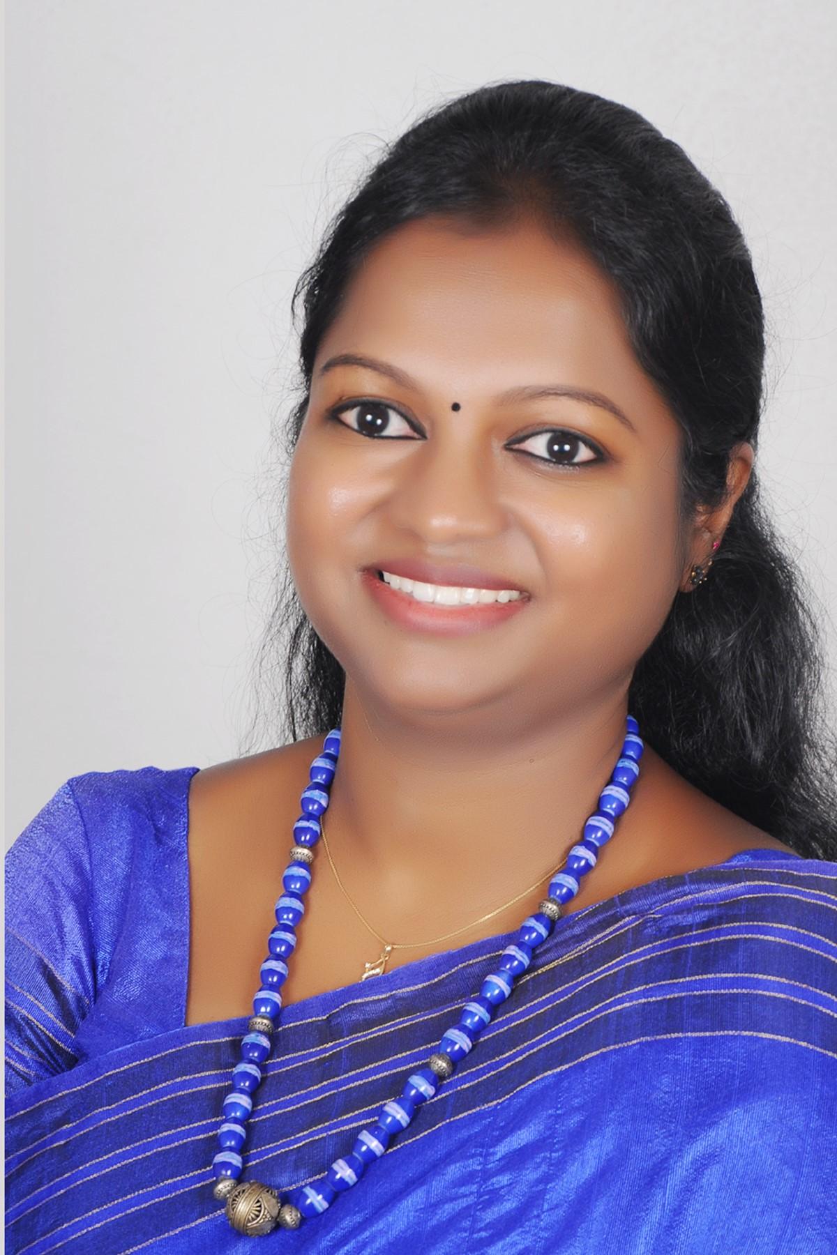 Dr.M.Anandhi